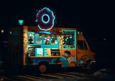 Food-Truck-Illuminated-at-night